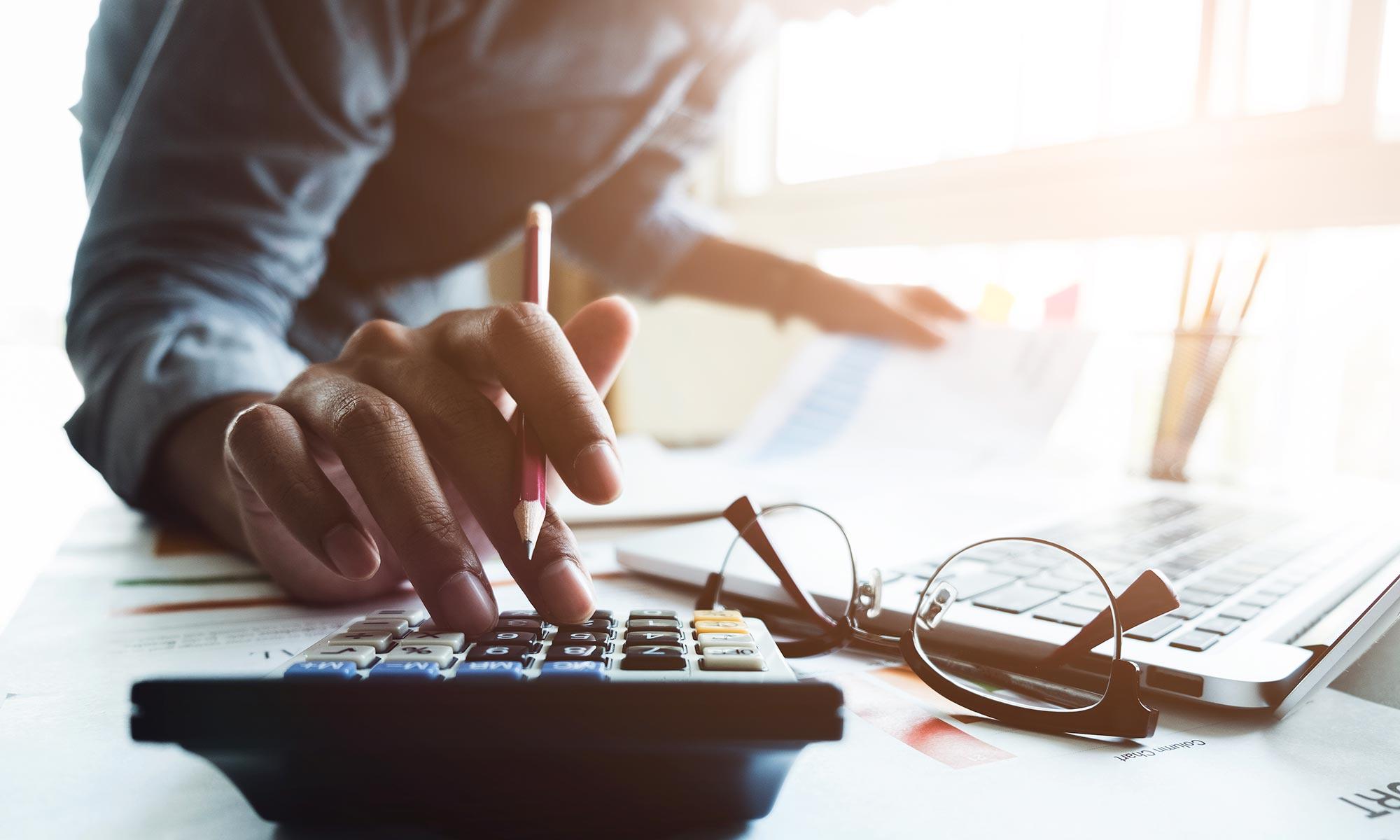 IR ou IS : quelle fiscalité choisir pour la structure détenant l'immobilier locatif ?