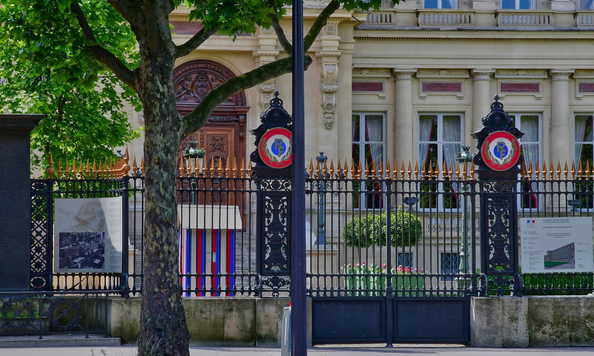 Diminution des effectifs au Quai d'Orsay : les syndicats sonnent l'alarme
