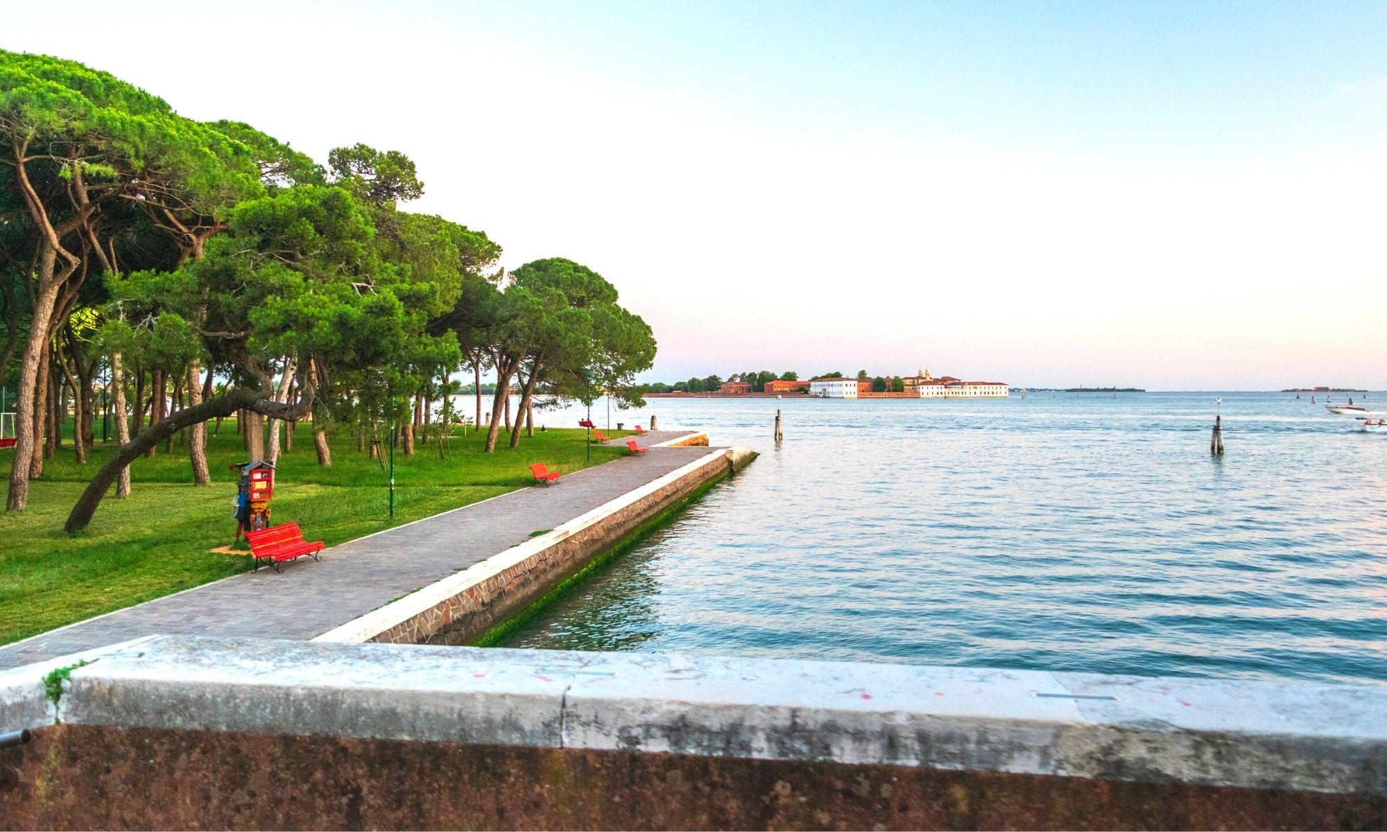 Zineb Sedira représentera la France à la Biennale internationale d'art de Venise 2022