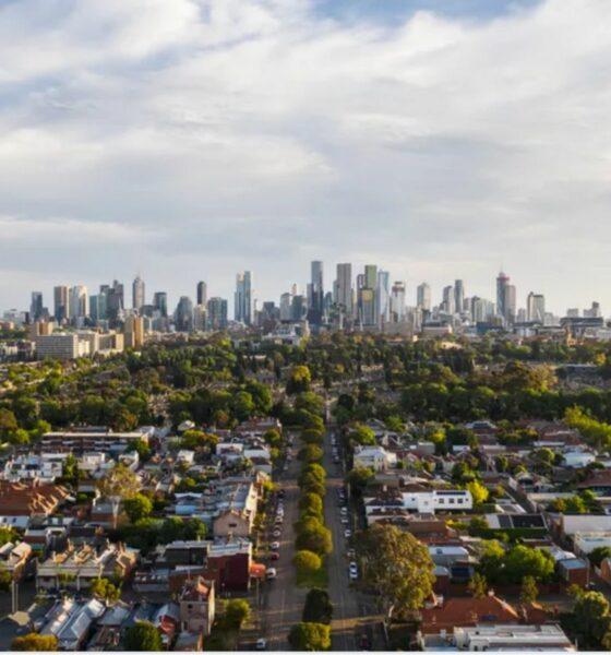 Covid-19 : L'Australie desserre (un peu) la vis